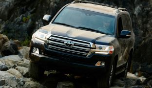 toyota land-cruiser-200